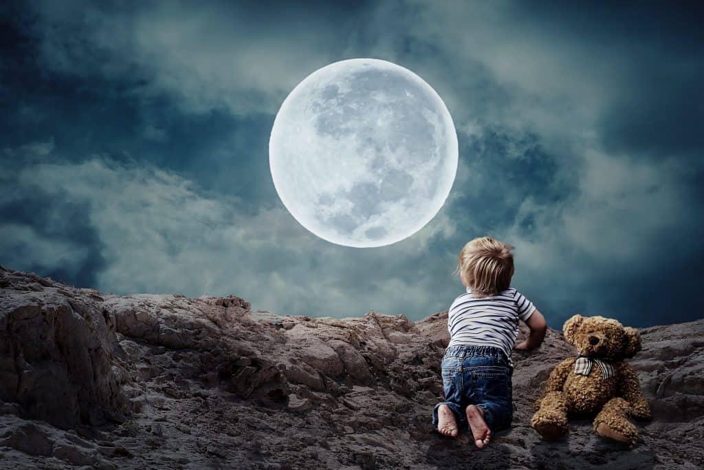 babies-and-night-lights