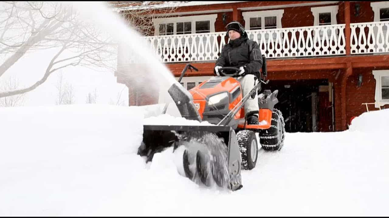Husqvarna (967343901) Lawn Tractor with Snow Blower